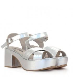 Sandalias de cuero plata
