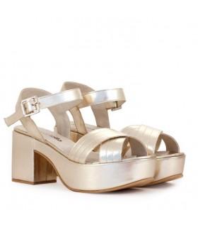 Sandalias de cuero platino