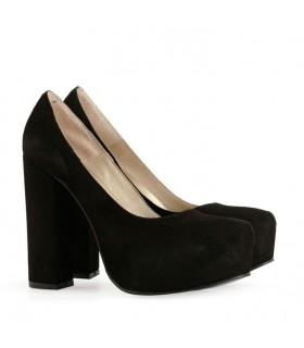 Stilettos de gamuza negra