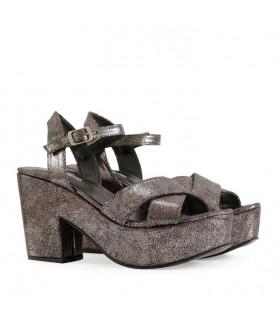 Sandalias de cuero en peltre