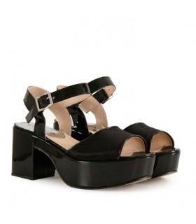 Sandalias de raso en negro