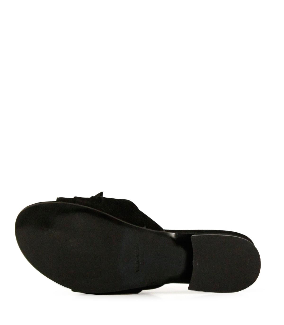 0cdeb19ade Sandalias bajas de gamuza negra con moño| Mujeres | Batistella