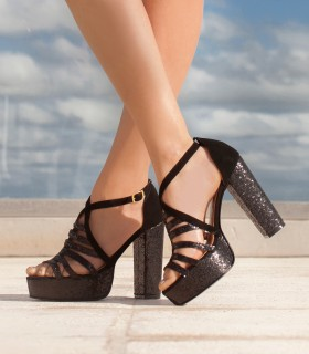 Sandalias de gamuza negro combinados