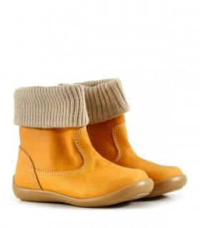 Botas cortas de descarne gamuzado en amarillo