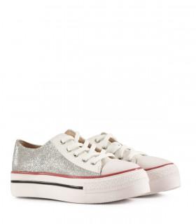 Zapatillas de tela en blanco