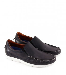 Zapatos de cuero en azul