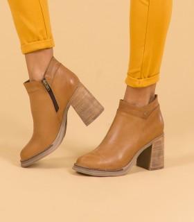 Botas cortas de cuero en suela