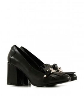 Zapatos de cuero negros con flecos