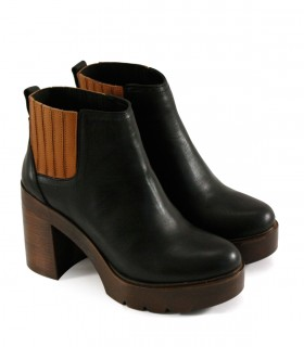 Botas cortas con plataforma de cuero negro/suela