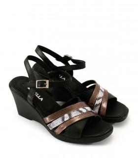 Sandalias taco chino de cuero negro