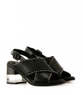 Sandalias de cintas en cuero negro con tachas