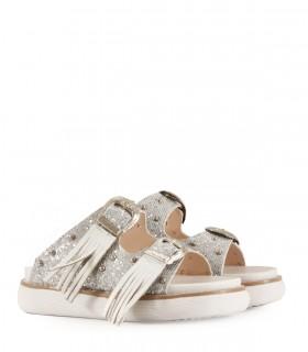 Sandalias de símil cuero en plata con flecos