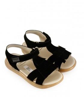 Sandalias de símil cuero con flecos en negro