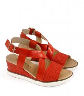 Sandalias taco chino de cuero en rojo