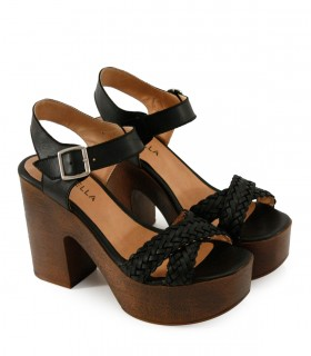 Sandalias con plataforma de cuero negro
