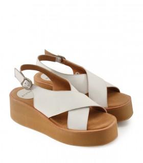 Sandalias de cuero en blanco