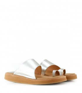 Sandalias bajas de cuero en plata