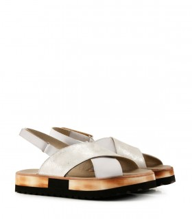Sandalias bajas de cuero en blanco/plata