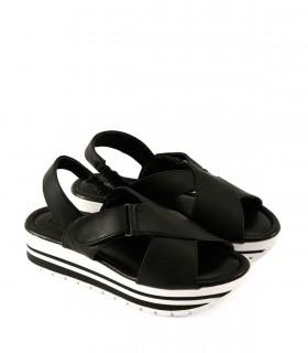 Sandalias bases de símil cuero negro