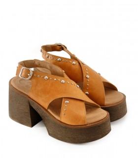 Sandalias altas de cuero tang