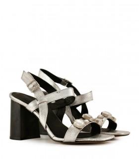 Sandalias de cuero plata con detalles