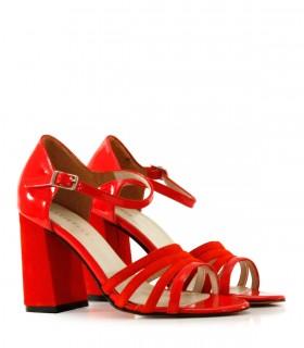 Sandalias de fiesta en charol rojo
