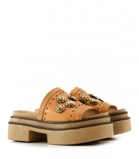 Sandalias bases de cuero en suela