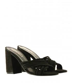 Sandalias de gamuza en negro