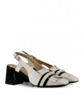 Zapatos de cuero blanco con flecos