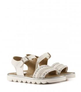 Sandalias blancas con apliques