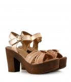 Sandalias de cuero en nude/cobre