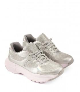 Zapatillas urbanas de símil cuero en plata