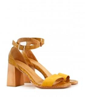 Sandalias de cuero en mostaza