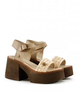 Sandalias de cuero en amareto