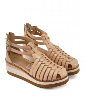 Sandalias de charol en nude