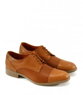 Zapatos clásicos de cuero en suela acordonados