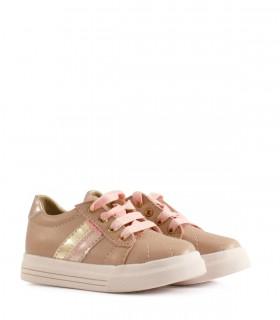 Zapatillas de símil cuero en rosa