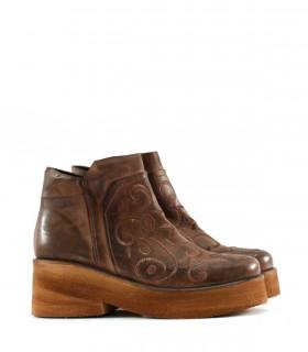 Botas cortas de cuero marrón