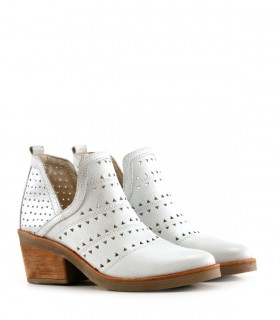 Botas cortas de cuero blanco