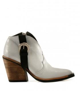 Botas cortas de cuero en blanco combinado