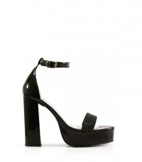 Sandalias altas de charol y strass en negro