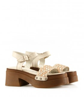 Sandalias de cuero en tiza/nude/oro