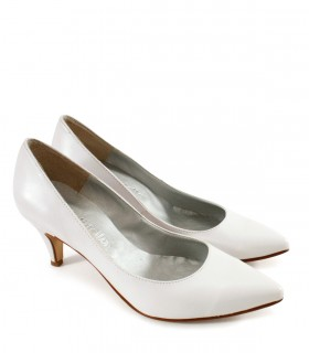 Stilletos de cuero blanco