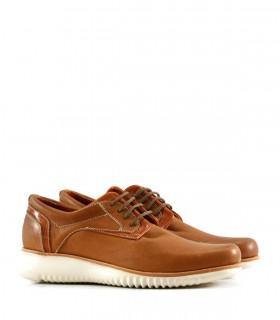 Zapatos acordonados de cuero en suela