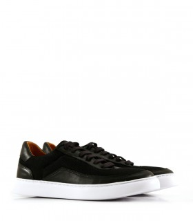 Zapatillas urbanas de cuero y tela en negro