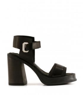 Sandalias de cuero y charol en negro