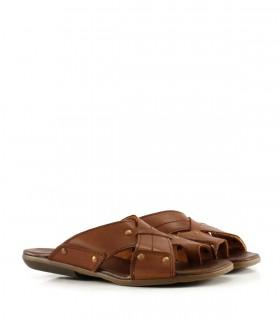 Sandalias de cuero en marrón