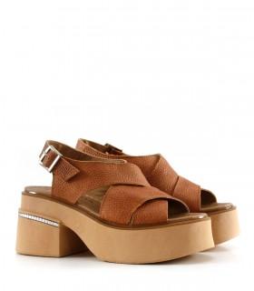 Sandalias de cuero en tapioca