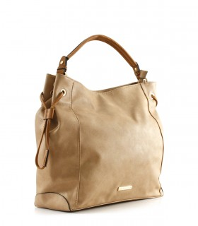 Maxi bolso de símil en camel