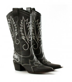 Botas altas de cuero en negro